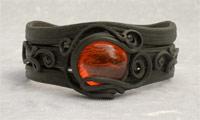 Armreifen mit Glas (rund rot)